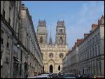 Je termine ce tour de France par 'la cité Johannique'. Il s'agit de la ville ...