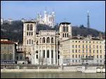 Après avoir été en Bretagne, me voici en région Rhône-Alpes pour visiter 'la capitale des Gaules'. Cette ville est ...