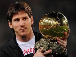 Qui sont les quatre joueurs à avoir remporté trois Ballons d'Or dans leur carrière ?