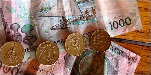 Laquelle de ces monnaies trouve-t-on en Océanie ?