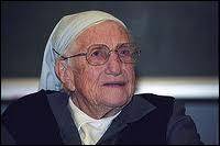 Quel âge avait soeur Emmanuelle à sa mort en 2008 ?