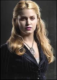 Qui incarne Rosalie Hale ?