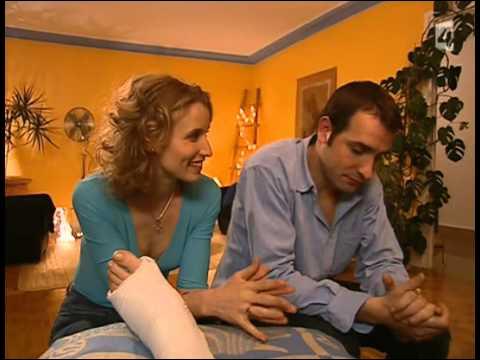 Dans un épisode, la mère d'Alex va venir habiter chez eux car elle a le plâtre. Jean va faire des bêtises que fait -il ?