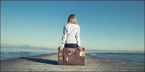 """La phrase """"Léa ira à la mer dans deux mois"""" est :"""