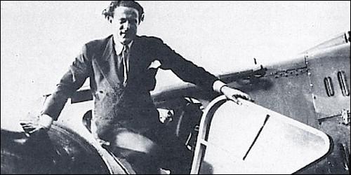 En 1935, quel pilote relie Paris à Dakar en 15h41 ?