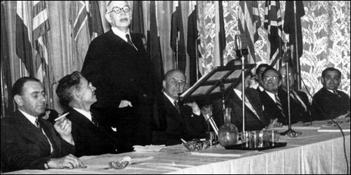 Quels accords ont été signés le 22 juillet 1944 ?
