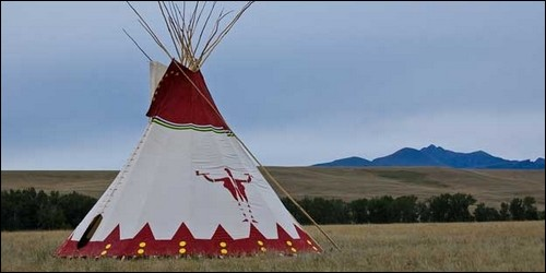 Comment appelle-t-on une tente indienne ?
