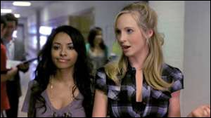 Quelle amie d'Elena est une sorcière ?