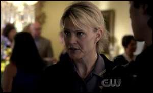 De qui le shérif de Mystic Falls est-elle la mère ?