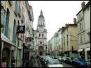 Je vous emmène maintenant dans 'la capitale du poulet de Bresse'. De quelle ville s'agit-il ?