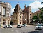 Nous partons en région Aquitaine pour visiter 'la capitale du pruneau' qui est ...