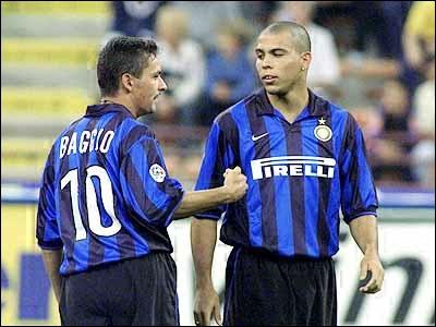 Les ennuis commencent en 1999 pour Ronaldo. Une suite de blessures l'éloignera des terrains, la première ayant lieu le 21novembre, face à une équipe qui lui avait pourtant souvent réussi…