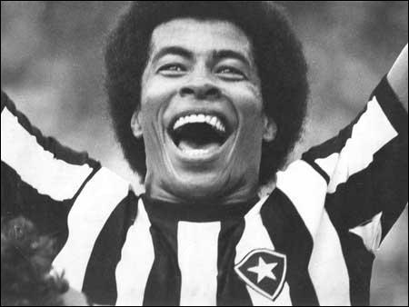 Le talent précoce de Ronaldo fut « découvert » par une ancienne gloire du foot brésilien, champion du monde 1970, ici en photo. Qui était-ce ?