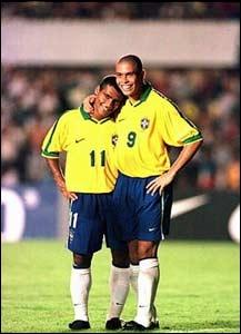 Romario avait précédé Ronaldo au Barca. Les deux joueurs présentent quelques similitudes amusantes dans leurs résultats au club. Laquelle est fausse ?