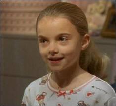 Comment s'appelle la petite soeur de Lisa ?