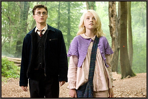 Luna dit à Harry que loin de ses amis il est moins :