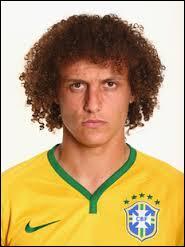 Cette star brésilienne détient le record du transfert le plus cher de l'histoire du foot pour un défenseur ( 50 Millions) :
