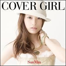 Le mot 'cover girl' devrait être remplacé par ?
