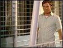 Parmi ces actions de 'Morning Routine', laquelle Dexter effectue en dernier ?