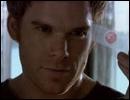 Que peut-on lire sur le bateau qui permet à Dexter de jeter les corps de ses victimes ?