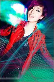 Qui est chanteuse et rappeuse, née le 22 avril 1993 ?