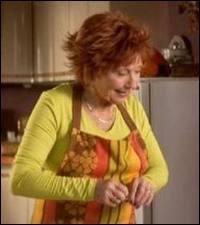 Que dit Raymond quand Huguette fait le ménage ?