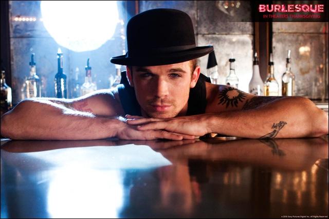 Je suis Jack dans 'Burlesque' de Steve Antin. Dans 'Twilight' je joue le rôle de ... ?