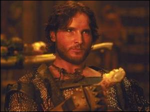 Je suis Takmet dans 'Le roi scorpion' de Chuck Russell. Dans 'Twilight' je joue le rôle de ... ?