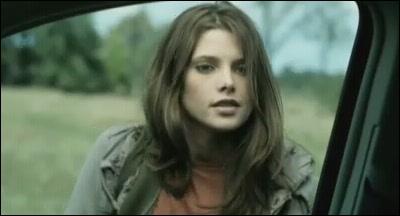 Je suis Summer dans 'Summer's blood' de Lee Demarbre. Dans 'Twilight' je joue le rôle de ... ?
