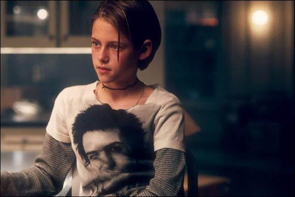 Je suis Sarah Altman dans 'Panic room' de David Fincher. Dans 'Twilight' je joue le rôle de ... ?