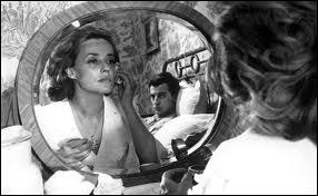 ''Jules et Jim'' est un film resté célèbre grâce à la chanson ''Le Tourbillon de la vie'' interprétée par Jeanne Moreau. Avec qui l'a-t-elle chantée en duo en 1995 ?
