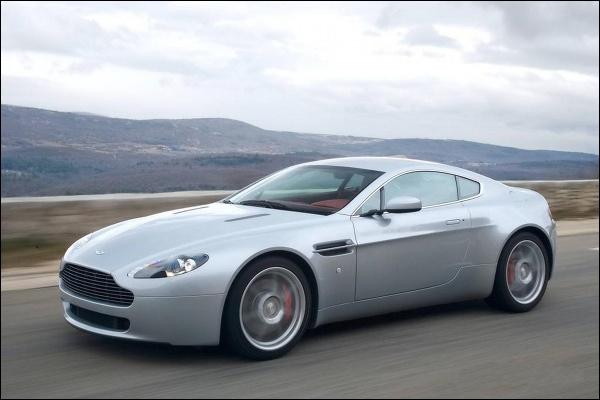 Comment s'appelle cette voiture ?