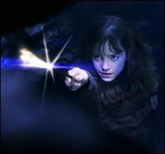 Quel sortilège Hermione utilise-t-elle pour libérer Ron du filet du diable ?