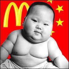 Quelle fille a un fils qui vit en Chine ?