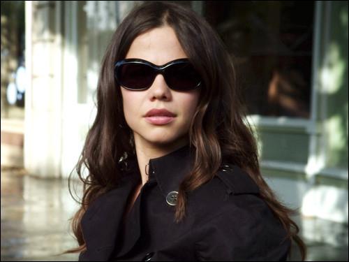 Je suis Jenna dans la série. Quel est mon nom dans la vraie vie ?