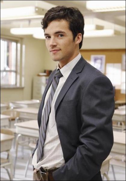 Je suis Ezra dans la série. Quel est mon nom dans la vraie vie ?