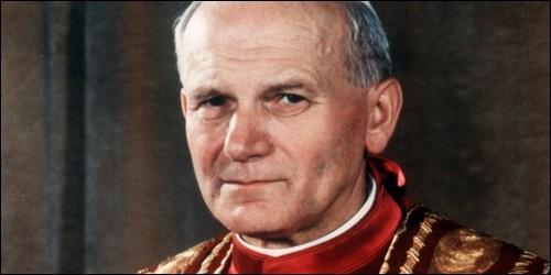 De quelle nationalité était Jean-Paul II ?