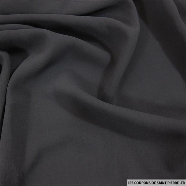 Jusqu'à la 1ère moitié du XXe siècle, à quelle occasion ornait-on ses vêtements d'une bande de crêpe noir ?
