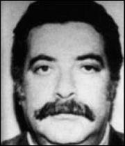 Membre d'une importante famille mafieuse de Catane en Sicile, il est né en octobre 1935 :