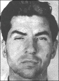 Mafieux italo-américain, il fut certainement le criminel dont l'influence historique fut la plus grande :