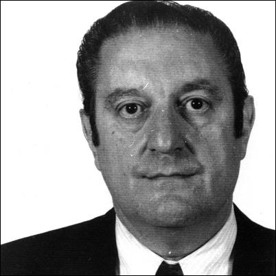 Il fut l'un des parrains de la Famille Gambino à New York, successeur de Carlo Gambino, son beau-frère :