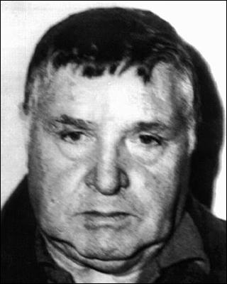 Un des membres les plus influents de la Mafia sicilienne. Il a été surnommé la Bête, ou parfois le Petit à cause de sa petite taille, bien que personne n'ait jamais osé l'appeler ainsi devant lui :