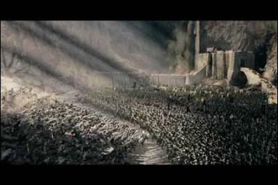 Quels sont les renforts qui viendront à bout de l'armée de Saroumane lors de la bataille de Fort-le-Cor ?