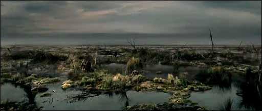 Quelle rencontre font Frodon, Sam et Gollum dans le marais des morts ?