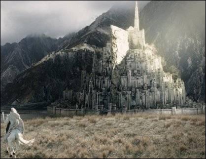 Qui Gandalf emmène-t-il avec lui à MinasTirith ?