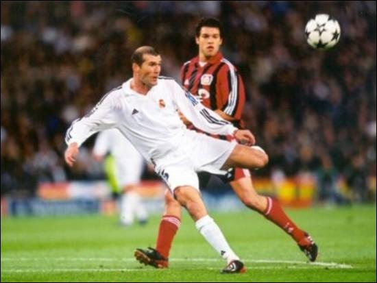 Frappe horizontale de Zinedine Zidane