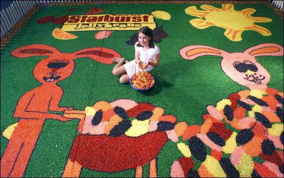 Quel âge a la créatrice de cette mosaïque de Jelly Beans ?