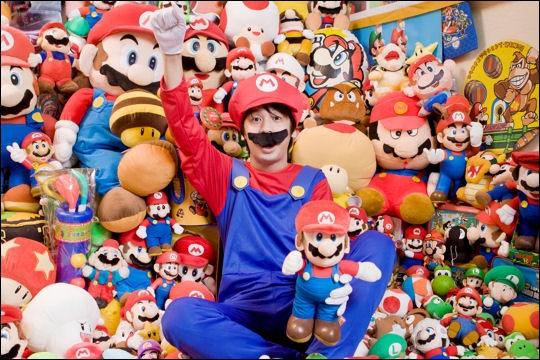 Combien d'objets comporte la plus grande collection d'objets ayant trait à Super Mario ?