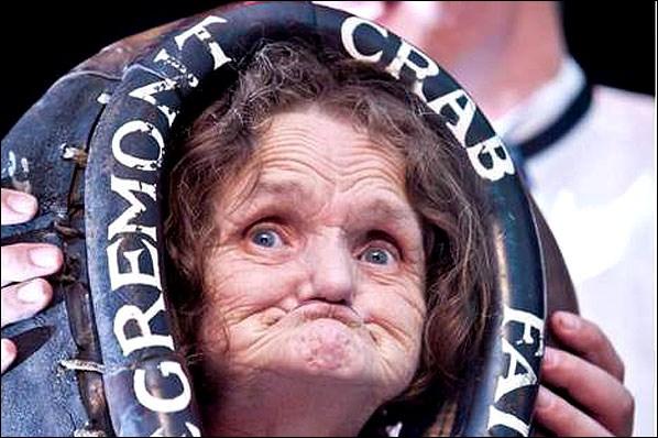 Pourquoi cette femme se retrouve-t-elle dans le livre Guiness des records ?