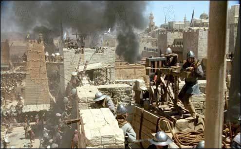 De quelle manière l'armée de Saladin lance-t-elle son assaut contre Jérusalem ?
